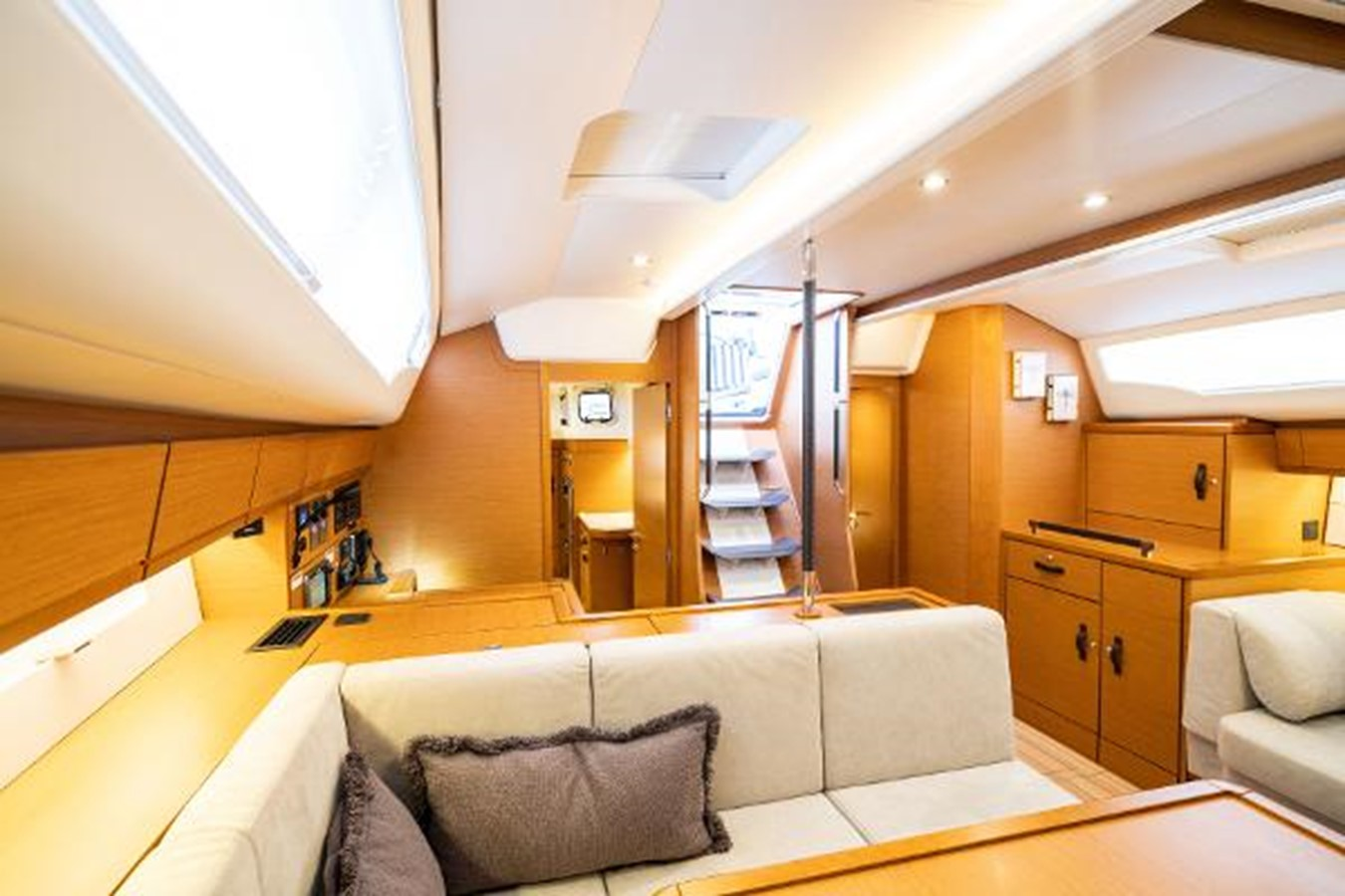 2017 JEANNEAU 54 Cruising/Racing Sailboat 2451684