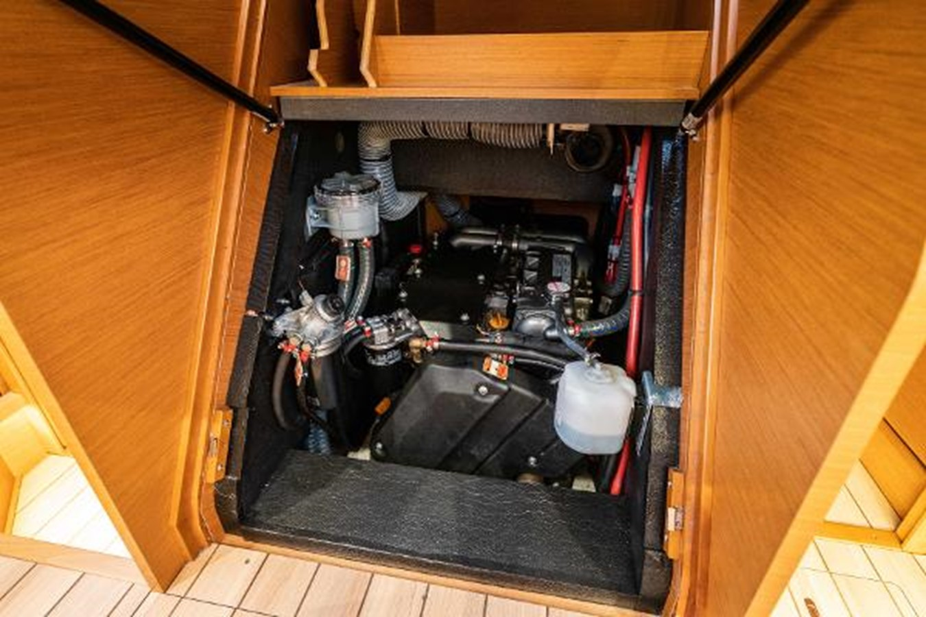 2017 JEANNEAU 54 Cruising/Racing Sailboat 2451686