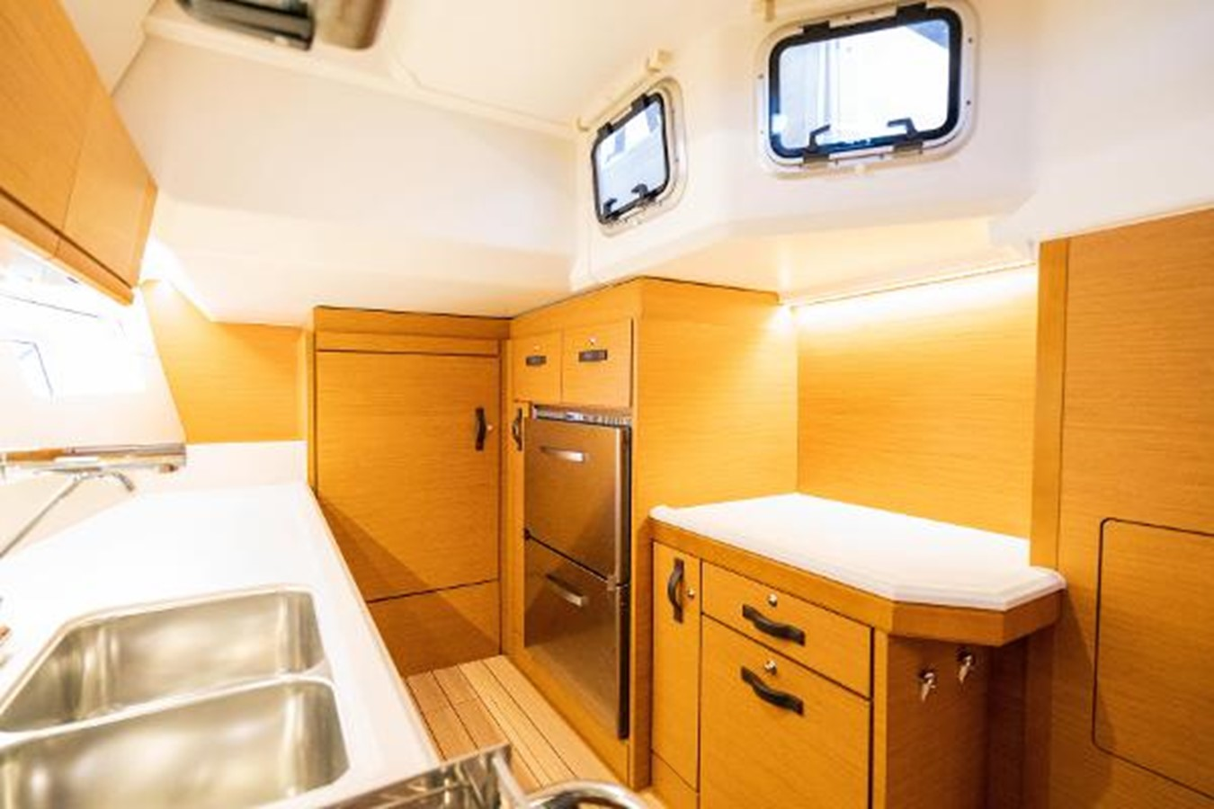 2017 JEANNEAU 54 Cruising/Racing Sailboat 2451689