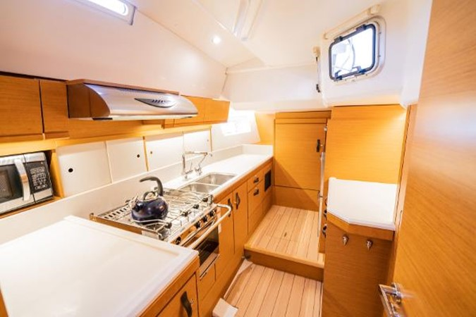 2017 JEANNEAU 54 Cruising/Racing Sailboat 2451680