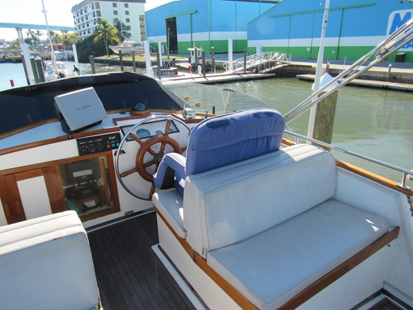 1985 GRAND BANKS Classic Motor Yacht 2452398