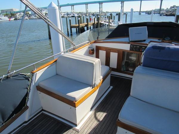 1985 GRAND BANKS Classic Motor Yacht 2452399