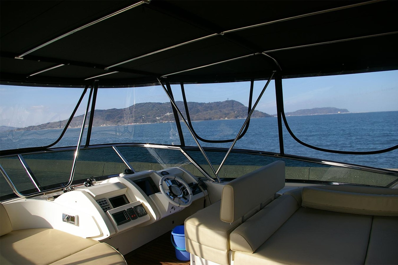 Helm station on flybridge 2009 AZIMUT  Motor Yacht 2452687