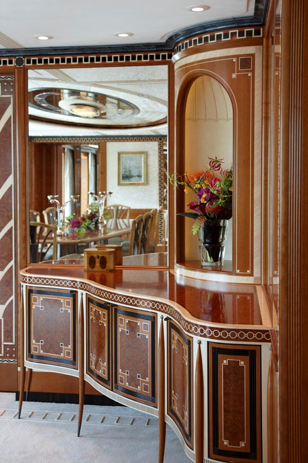 Cabinet Detail 2010 FEADSHIP  Motor Yacht 2454680