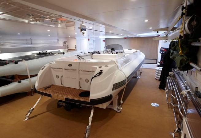 Tender Garage 2010 FEADSHIP  Motor Yacht 2454524