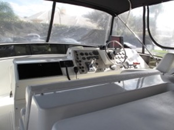 2000 CARVER 406 Motor Yacht Motor Yacht 2456942
