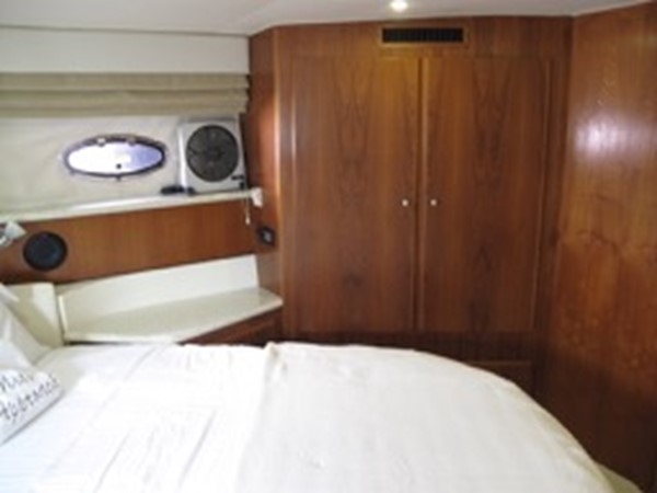 2000 CARVER 406 Motor Yacht Motor Yacht 2456974