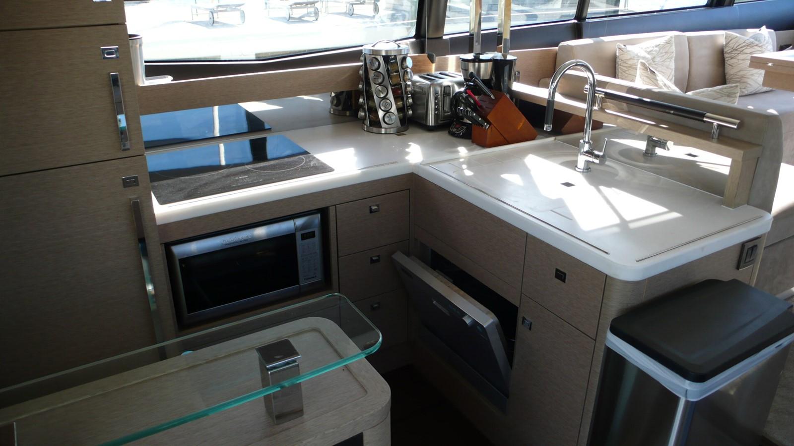 2016 PRESTIGE 550 Motor Yacht 2457201