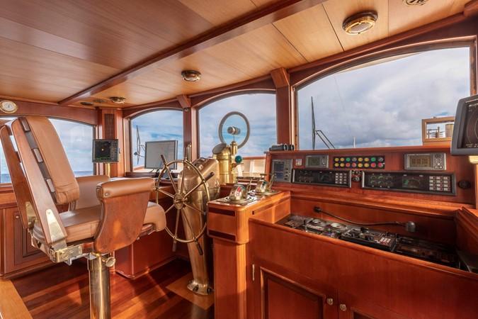 Bridge 2001 CUSTOM Classic Fantail Motor Yacht 2528462