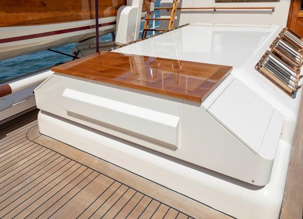 Bridge Deck/Concealed BBQ 2001 CUSTOM Classic Fantail Motor Yacht 2528468