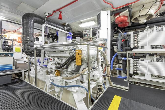 Engine Room 2001 CUSTOM Classic Fantail Motor Yacht 2528477