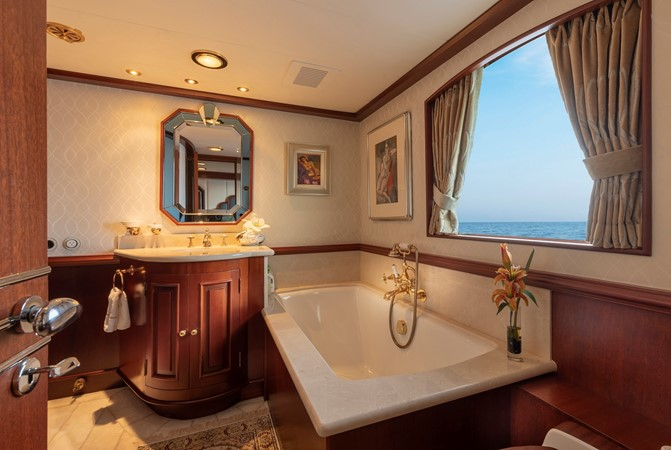 Main Deck VIP Bath 2001 CUSTOM Classic Fantail Motor Yacht 2537176