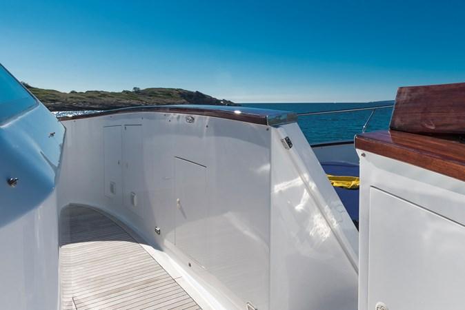 Access to bow  2007 CUSTOM BUILT  Trawler 2461129