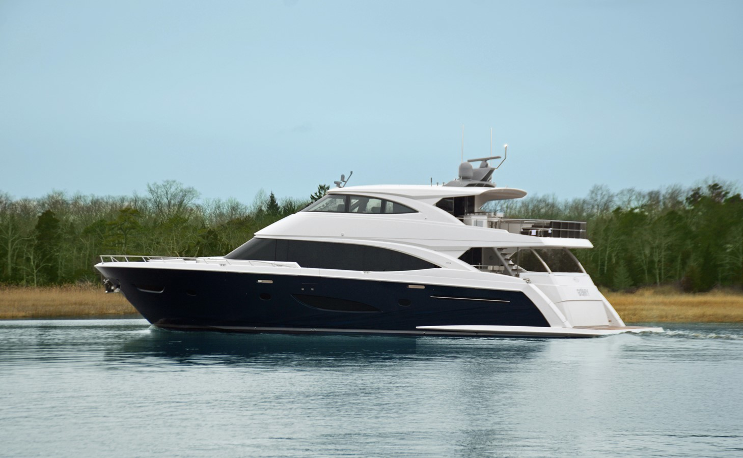 2019 VIKING Enclosed Bridge Motor Yacht 2463995