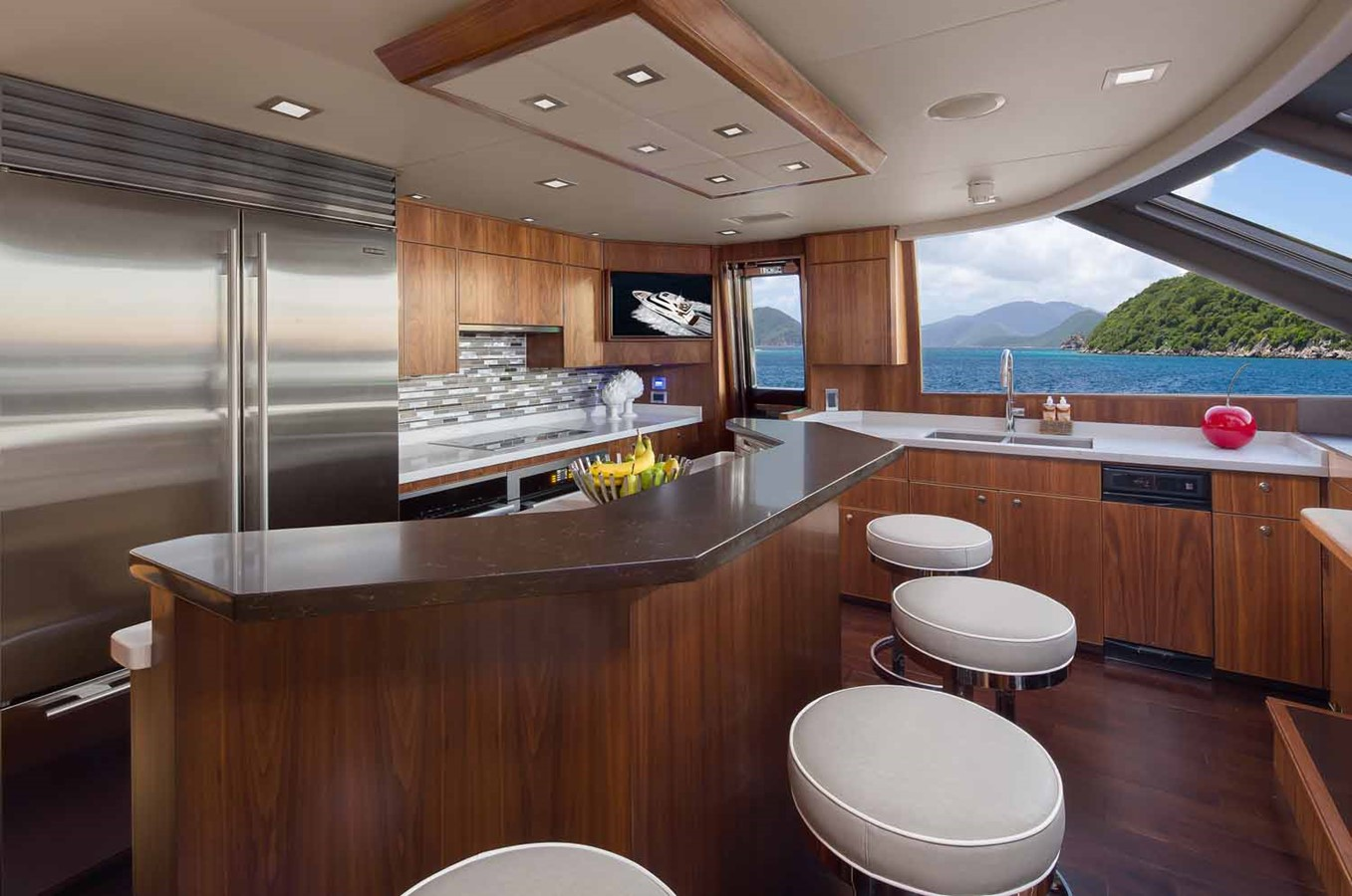 2019 VIKING Enclosed Bridge Motor Yacht 2464001