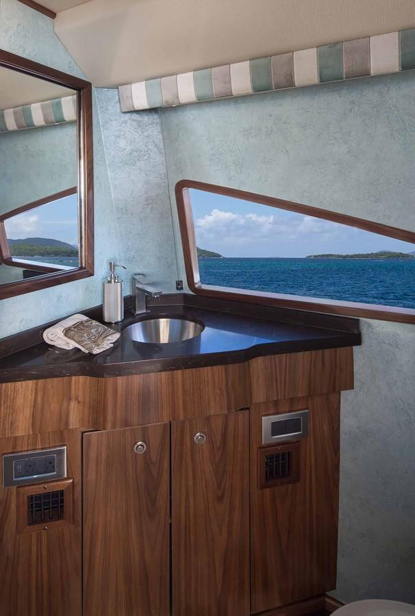 2019 VIKING Enclosed Bridge Motor Yacht 2464003