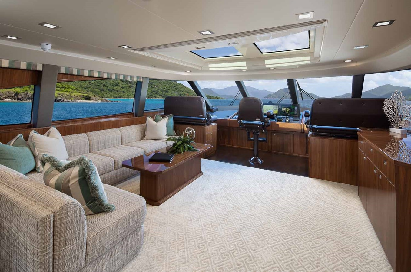 2019 VIKING Enclosed Bridge Motor Yacht 2464014
