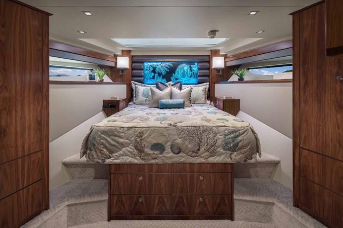 2019 VIKING Enclosed Bridge Motor Yacht 2464007