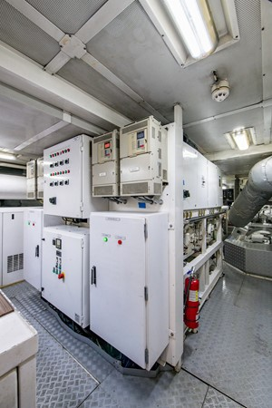 Engine Room 2004 OCEANFAST 174 Custom Superyacht Mega Yacht 2501063