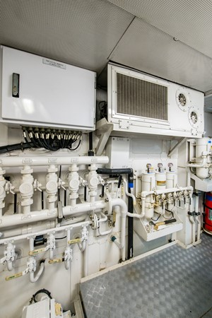 Engine Room 2004 OCEANFAST 174 Custom Superyacht Mega Yacht 2501070