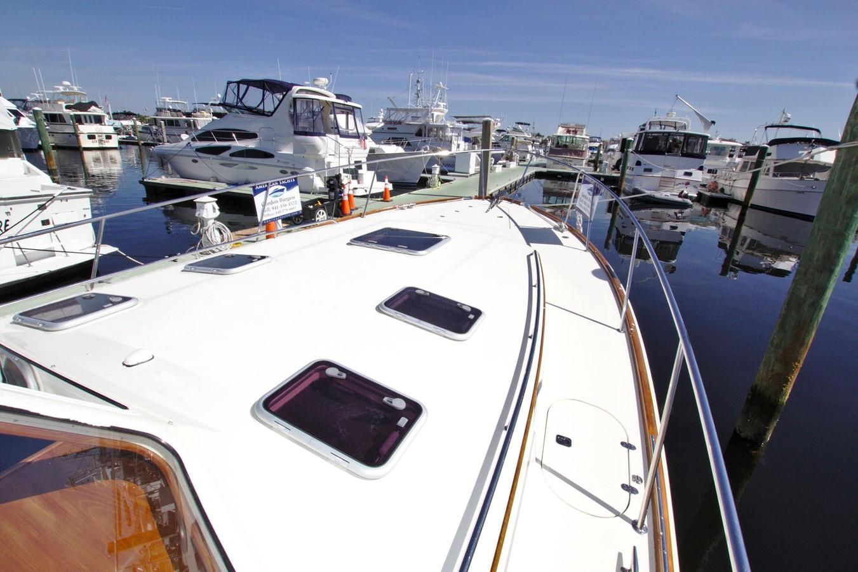 2002 HINCKLEY Talaria 44 FB Motor Yacht 2465300