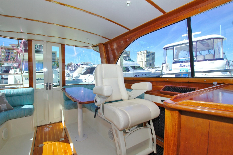 2002 HINCKLEY Talaria 44 FB Motor Yacht 2465317