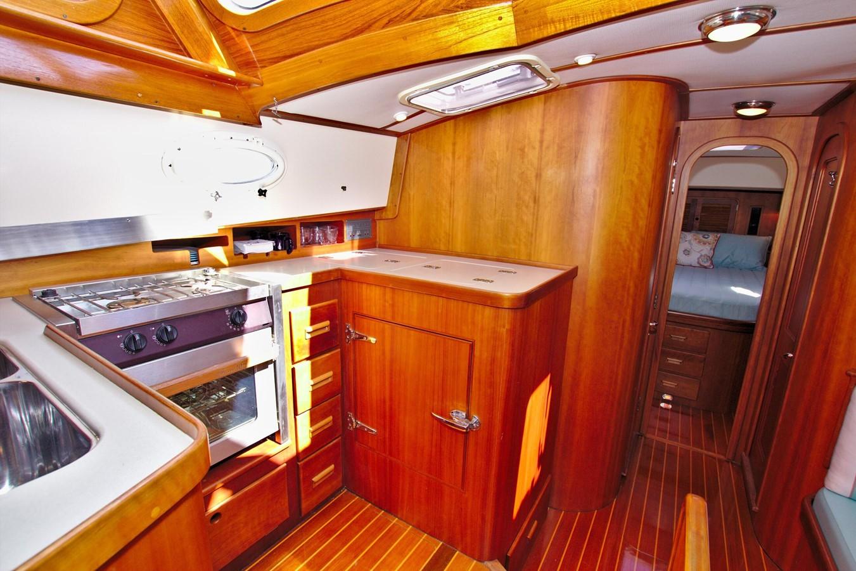 2002 HINCKLEY Talaria 44 FB Motor Yacht 2465322