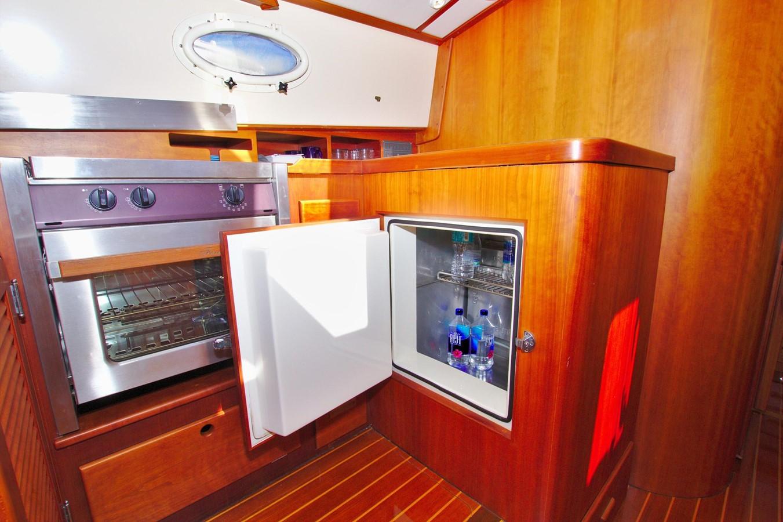 2002 HINCKLEY Talaria 44 FB Motor Yacht 2465323