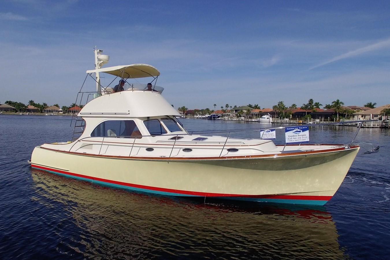 2002 HINCKLEY Talaria 44 FB Motor Yacht 2465360