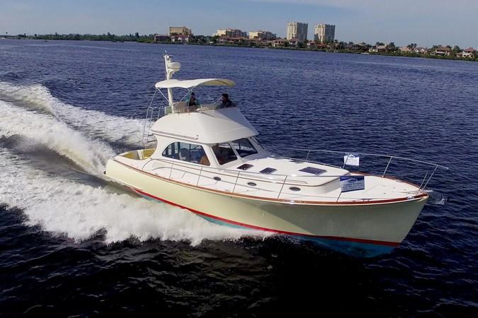 2002 HINCKLEY Talaria 44 FB Motor Yacht 2465295