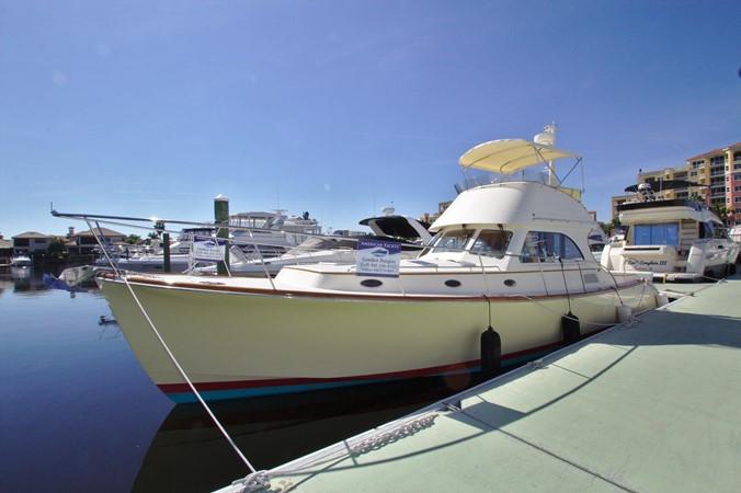 2002 HINCKLEY Talaria 44 FB Motor Yacht 2465296