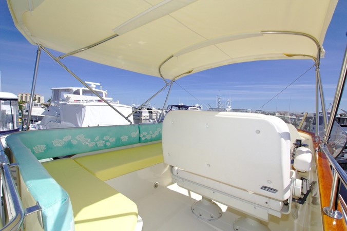 2002 HINCKLEY Talaria 44 FB Motor Yacht 2465306