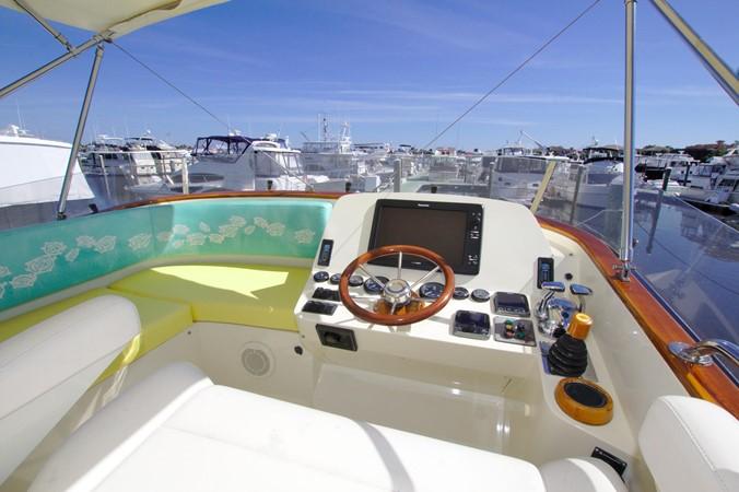 2002 HINCKLEY Talaria 44 FB Motor Yacht 2465309