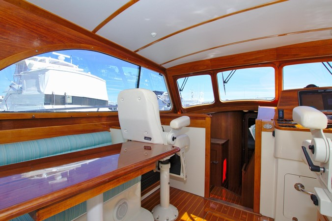 2002 HINCKLEY Talaria 44 FB Motor Yacht 2465315
