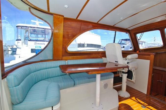 2002 HINCKLEY Talaria 44 FB Motor Yacht 2465316
