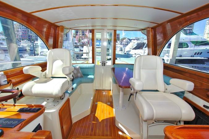 2002 HINCKLEY Talaria 44 FB Motor Yacht 2465318