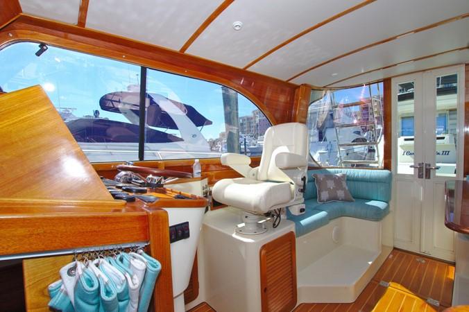 2002 HINCKLEY Talaria 44 FB Motor Yacht 2465319