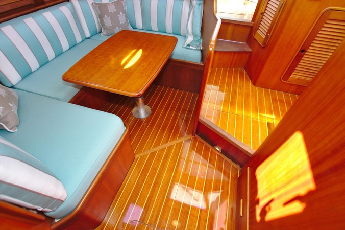 2002 HINCKLEY Talaria 44 FB Motor Yacht 2465325