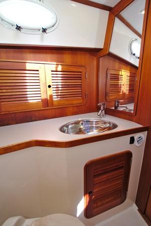 2002 HINCKLEY Talaria 44 FB Motor Yacht 2465333