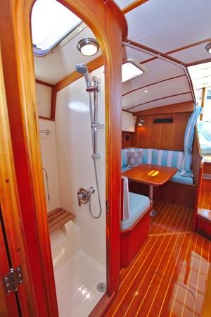 2002 HINCKLEY Talaria 44 FB Motor Yacht 2465334