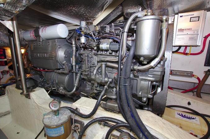 2002 HINCKLEY Talaria 44 FB Motor Yacht 2465343
