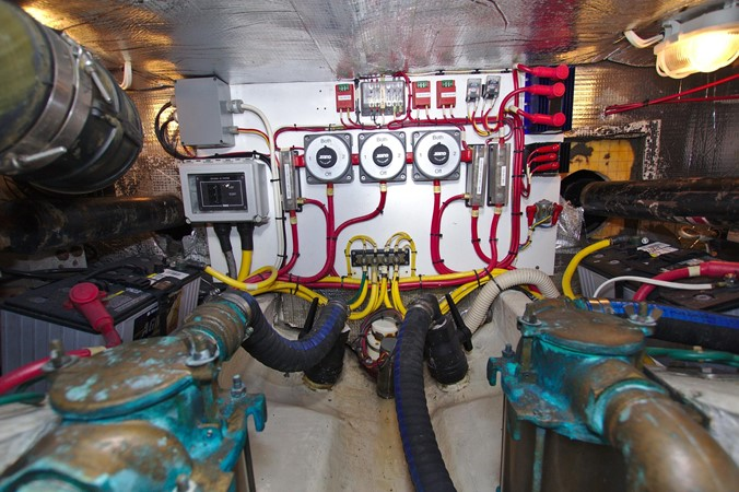 2002 HINCKLEY Talaria 44 FB Motor Yacht 2465346