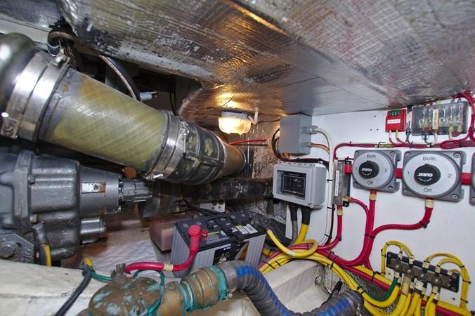 2002 HINCKLEY Talaria 44 FB Motor Yacht 2465348
