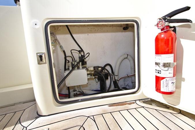 2002 HINCKLEY Talaria 44 FB Motor Yacht 2465350