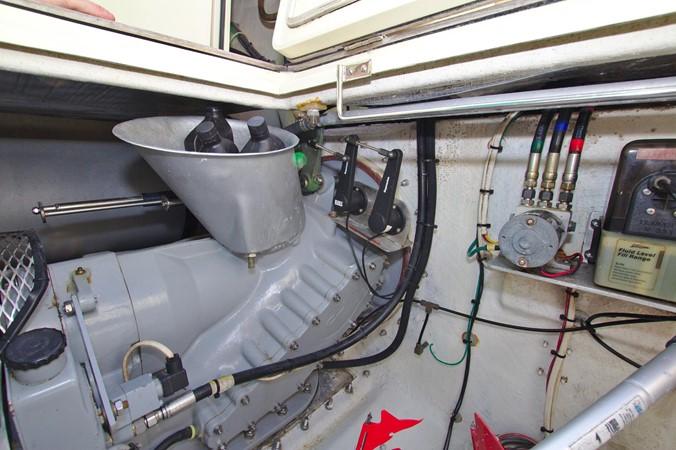 2002 HINCKLEY Talaria 44 FB Motor Yacht 2465357