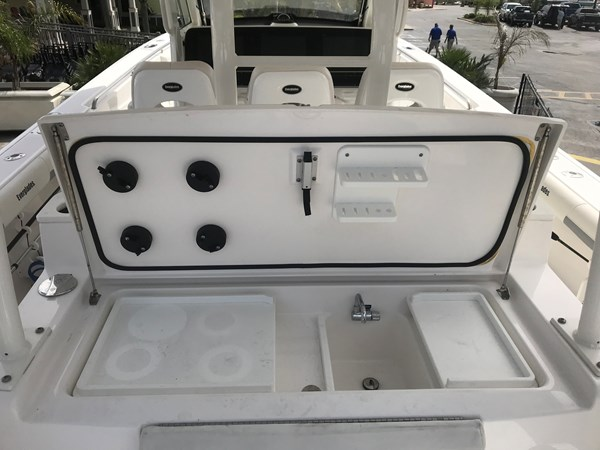 Grid Connection Everglades 2016 CC Tackle 2016 EVERGLADES 43 Center Console Center Console 2466268