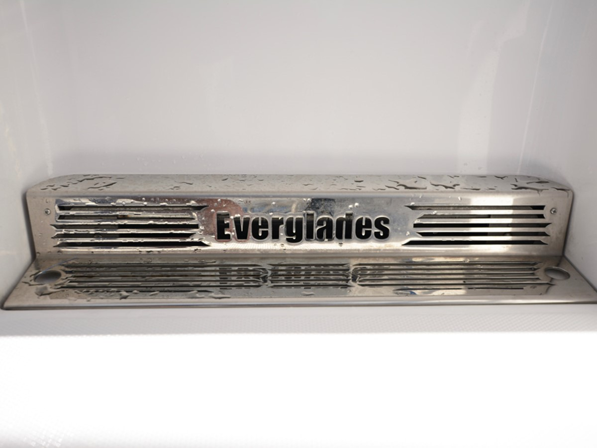 2018 EVERGLADES  Center Console 2466935