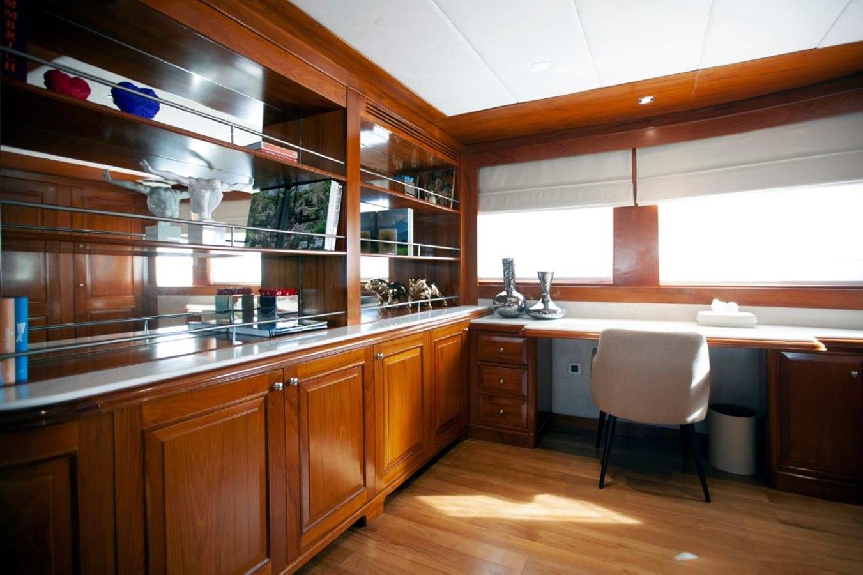 2006 CUSTOM BUILT LUSBEN/BENETTI Motor Yacht 2486846