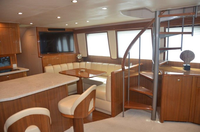 Salon 2007 VIKING Enclosed Bridge Sport Fisherman 2469421
