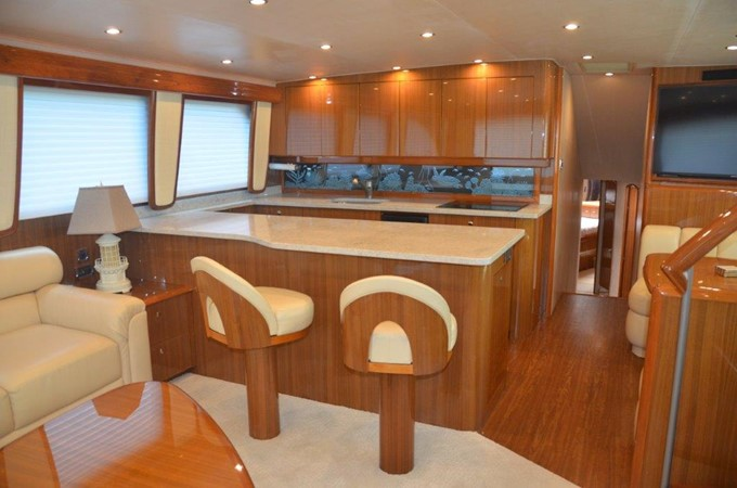 Galley 2007 VIKING Enclosed Bridge Sport Fisherman 2469427